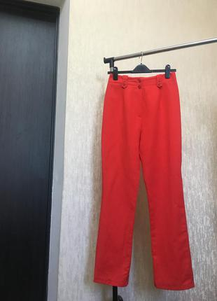 Кратые красные брюки 👖 от dino valiano