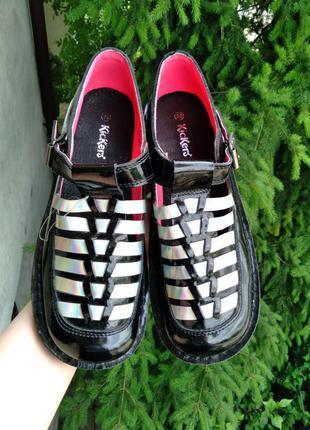 Kickers (оригинал) кожаные туфли.