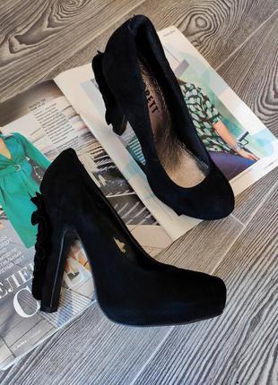 Туфли закрытые черные замшевые на высоком каблуке с ажурным каблуком scorett 36 37