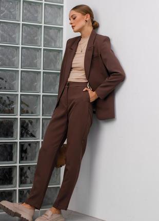 Костюм женский брючный деловой шоколадный коричневый жакет брюки