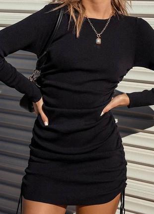 Трендовое платье с затяжками трикотаж рубчик