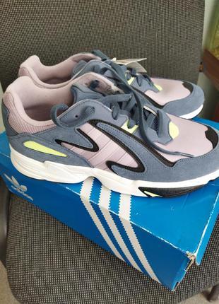 Супер кроссовки мужские для любителей adidas