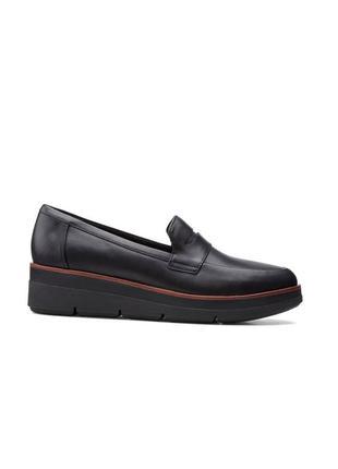 Оригінальні шкіряні жіночі туфлі clarks (26153589)