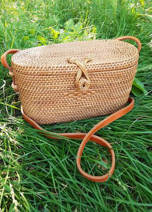 Плетеная стильная сумка кросбоди