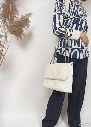 Біла стібана сумочка на ланцюжку, белая стёганая сумка на цепочке