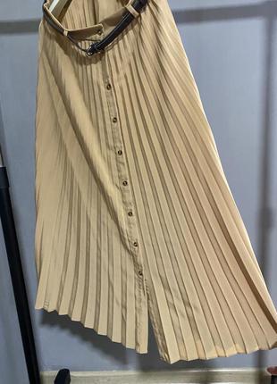 Плиссированная юбка stradivarius бежевая