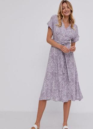 Сиреневое платье миди со змеиным принтом на пуговицах спереди от new look