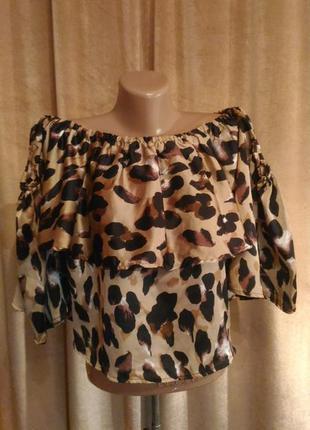 Леопардовая атласная пышная блузка boohoo с открытыми плечами, пышные рукава размер 16/2xl