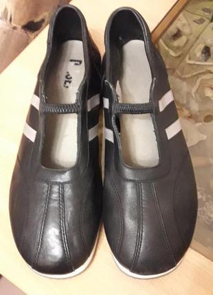 Стильные, универсальные кроссовки-балетки diesel оригинал. натуральная кожа. стелька 26см.
