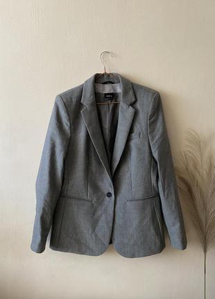 Пиджак с шерстью