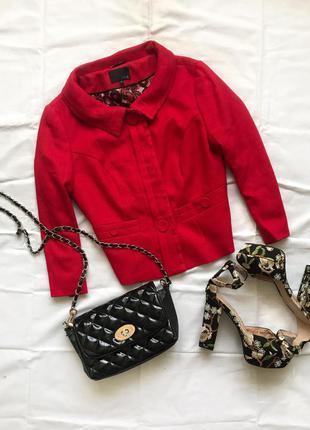 Укороченный пиджак на пуговицах красный пиджак next