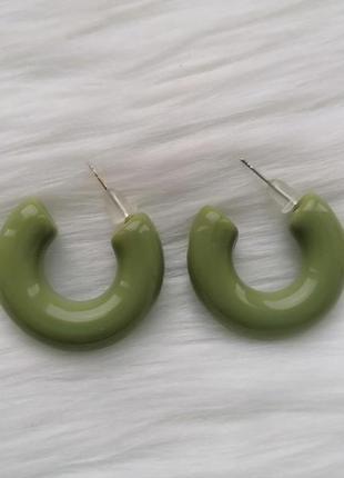 Трендовые минималистичные серьги-гвоздик\ платисковые сережки зеленые колечки