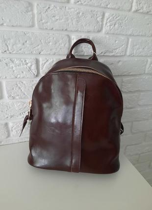 Удобный кожаный рюкзак коричневый