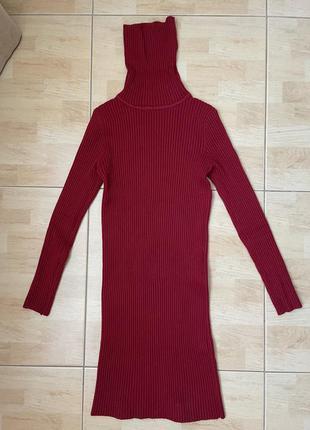 Бордовое тёплое платье с горлом