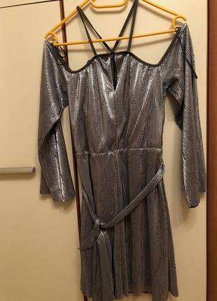 Платье серебристое для вечеринки