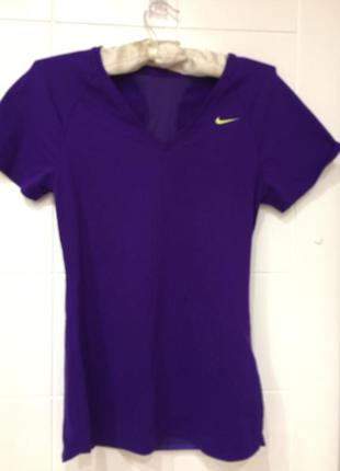 Nike футболочка р.xs-s
