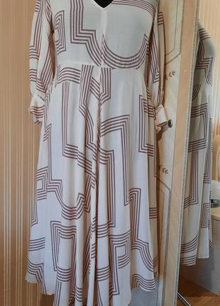 Платье фирменое новое