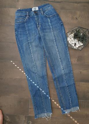 Синие джинси с рваностями straight