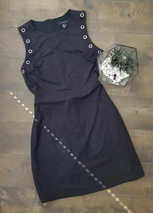 Черное платье с кольцами металическими ткань под замш