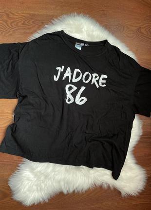 Базовая котонлвая чёрная футболка с принтом boohoo plus size uk 24