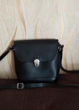 Черная кожаная сумка la moda