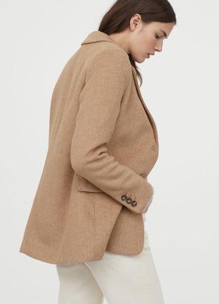 Теплый актуальный пиджак h&m