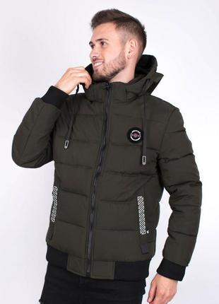 Мужская куртка цвета хаки