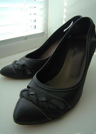 Итальянские туфли-лодочки чёрные кожаные
