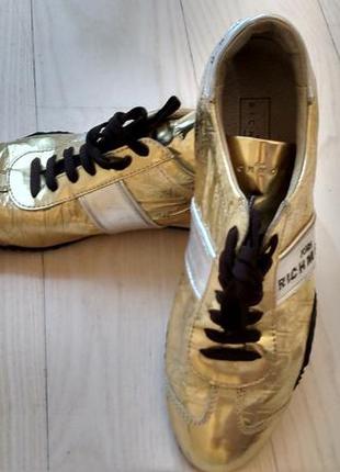 Стильные кроссовки richmond