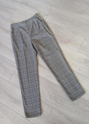 Стилтные брюки в клетку