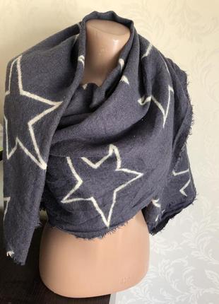 Обьемный шарф палантин