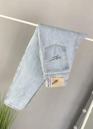 Мом джинсы на высокой посадке beethoven