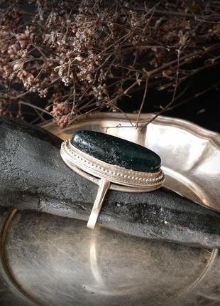 Кольцо тайна озера с моховым агатом серебро