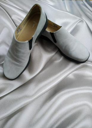 Осенние закрытые туфли от ecco