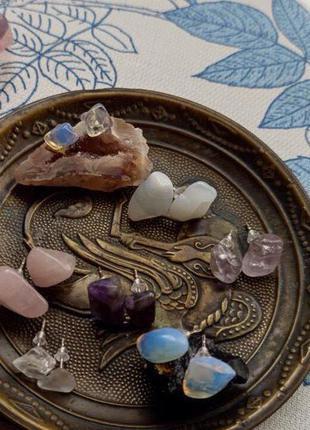 Сережки з натуральним камінням