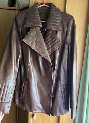 Куртка коричневая