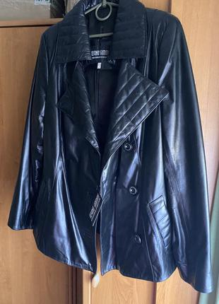 Чёрная куртка большого размера