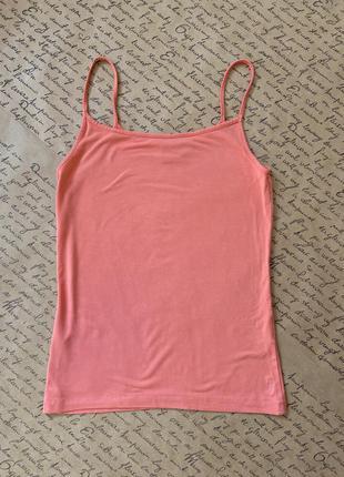 Розовая майка топ на тонких бретелях ками
