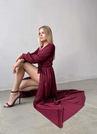 Эффектное шелковое  платье макси