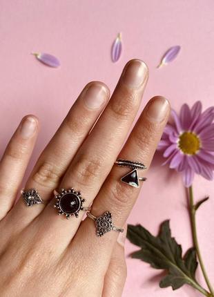 Набор колец 4 шутки черные камни минимализм / большая распродажа!