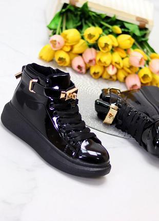 Стильные глянцевые модные женские кроссовки все размеры к. 8519