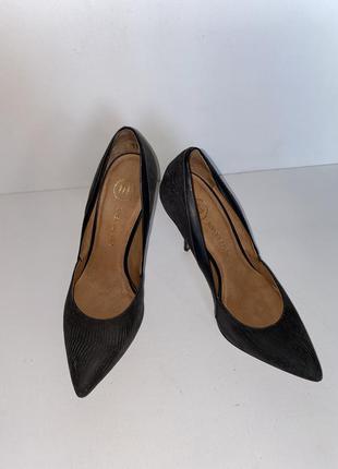Туфли на каблуке 40размер