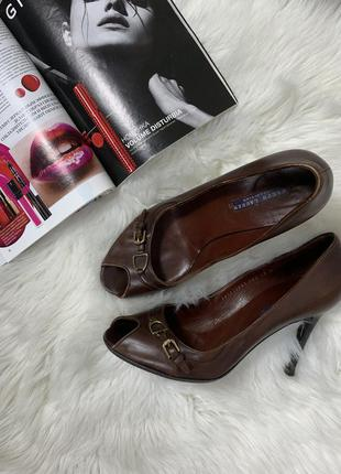 Прекрасні туфлі-ralph laurent collection purple label оригінал 40