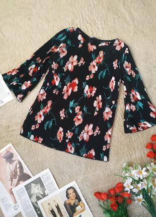 Очень красивая плиссе блуза от dorothy perkins