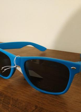 Нові  сонцезахисні окуляри