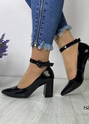 Распродажа! женские туфли с ремешком