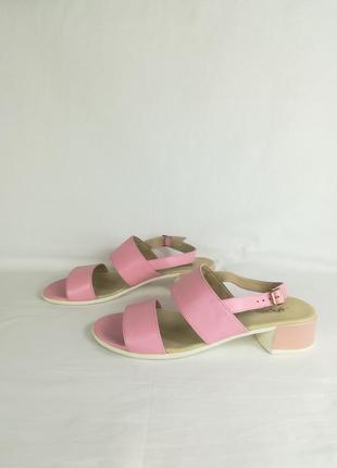 Распродажа летней обуви босоножки