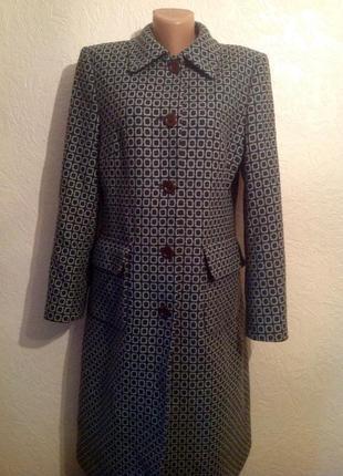 Стильное пальто,отличная модель