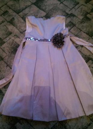 Нарядное атласное платье, р.116