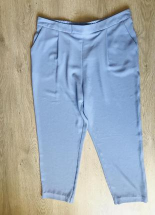 Красивые лёгкие голубые брюки